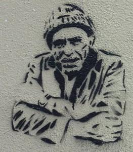 Charles Bukowski, Graffiti, Rue d'Alsace im 10. Arrondissement von Paris - Autor: http://commons.wikimedia.org/wiki/User:GFreihalter
